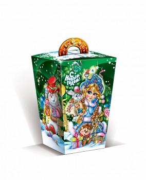 Сладкий новогодний подарок в картонной упаковке Лесная красавица