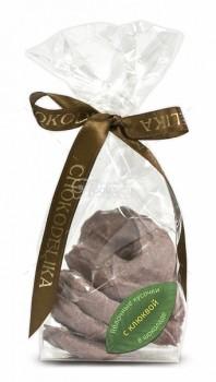 Яблочные кусочки в шоколаде с клюквой