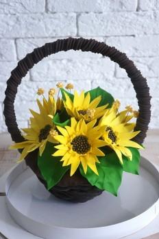Шоколадная корзина №9 с подсолнухами