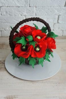 Шоколадная корзина №25 с красными маками