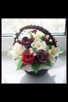 Шоколадная корзина №10 с цветами