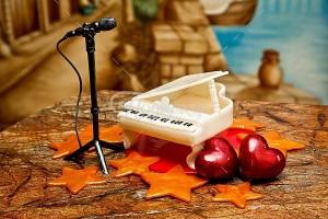 Композиция белый рояль