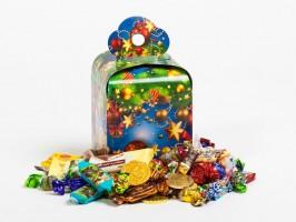 Сладкий подарок к Новому году в картонной упаковке Кубик-Рубик синий