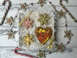 Набор пряников «Бык очаровашка в снежинках»
