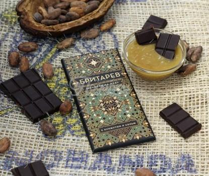 Шоколад на меду 75% какао, с кунжутом и солью