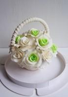 Шоколадная корзина №33 с белыми розами